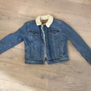 NWT Levi's denim jacket with faux sheepskin lining